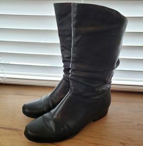 Black mid-calf boots - 8M